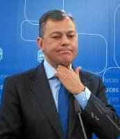 El secretario general del PP andaluz, José Luis Sanz, ayer en rueda de prensa