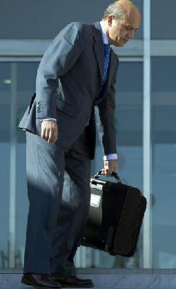 José María del Nido, saliendo de la Audiencia Provincial de Málaga. (Jorge Zapata/EFE)