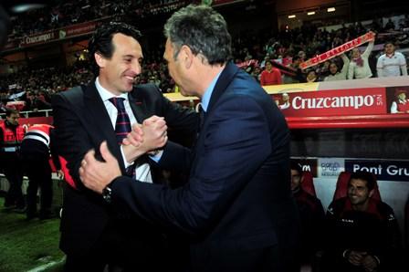 Emery saludando a Caparrós (Marcamedia).