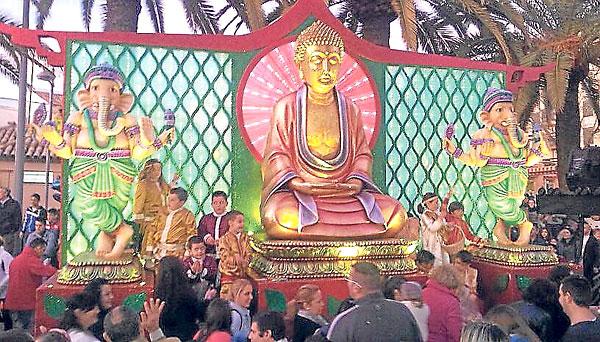 La carroza de Buda fue la más esperada en Morón de la Frontera por ser novedad.