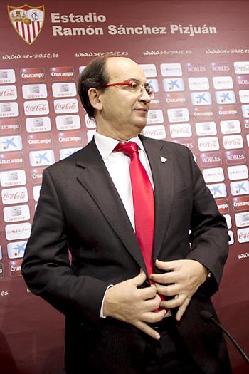 Rueda de prensa de José Castro tras ser nombrado presidente en el consejo de administración del Sevilla. / Foto: Pepo Herrera
