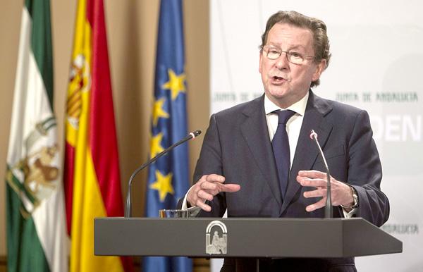 El consejero de Justicia e Interior, Emilio de Llera. / EFE