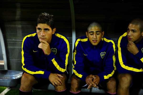 Cristian Erbes (izquierda), ayer en el banquillo en el amistoso con Estudiantes / DIARIO OLÉ