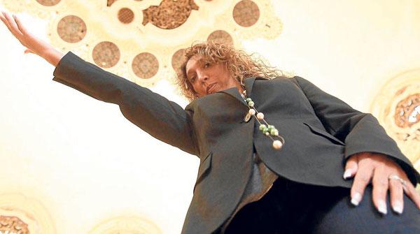 La cantaora Esperanza Fernández presenta el martes en el Lope de Vega Mi voz en tu palabra. / Javier Cuesta