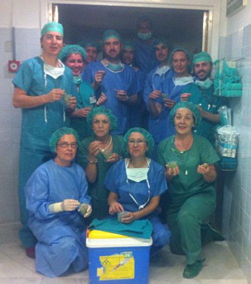 Uno de los equipos de trasplantes que han trabajado en las últimas 24 horas en el Virgen del Rocío.