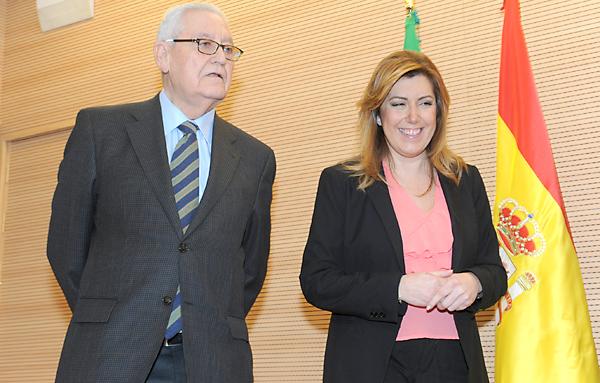 La presidenta andaluza, Susana Díaz, y el expresidente de la Junta, Rafael Escuredo, este martes en Marbella (Málaga). / EFE