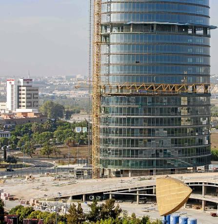 La torre pelli ser un revulsivo para el mercado sevillano for Oficinas cajasol sevilla