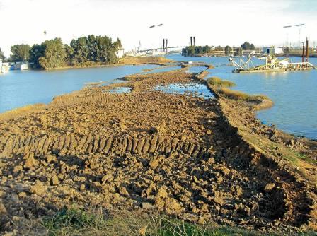 El proyecto del dragado lleva una década enquistado por los problemas medioambientales y en los cultivos.