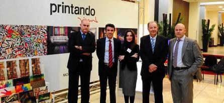 Los responsables de Printando Visual, junto a los responsables de Franquishop y de la Asociación de Franquiciadores.