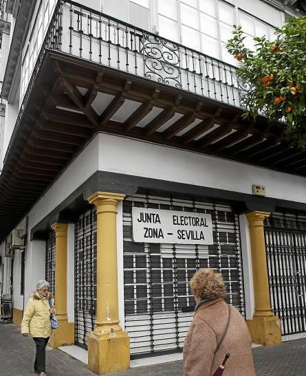 La esquina de la calle Manuel Vázquez Sagastizábal, donde se instalará el registro municipal. / Pepo Herrera