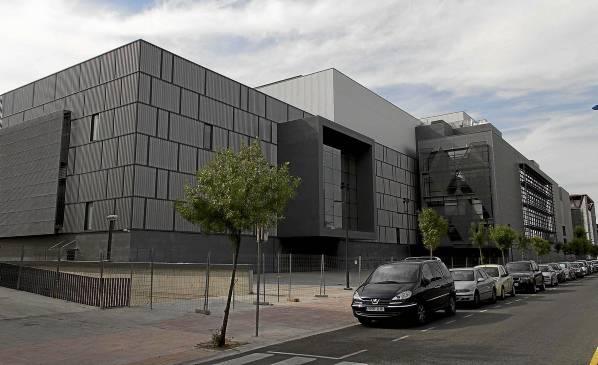 El auditorio Arteria Al-Andalus de la SGAEen la Cartuja permanece cerrado después de que el pasado año concluyeran sus obras.