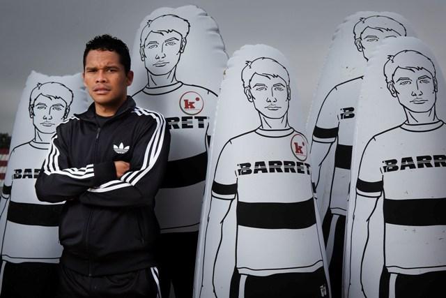 Carlos Bacca, en la ciudad deportiva (Foto: Pepo Herrera)
