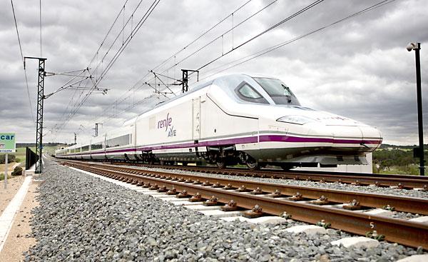 El AVE Sevilla-Granada se retrasa, al menos, hasta 2024.