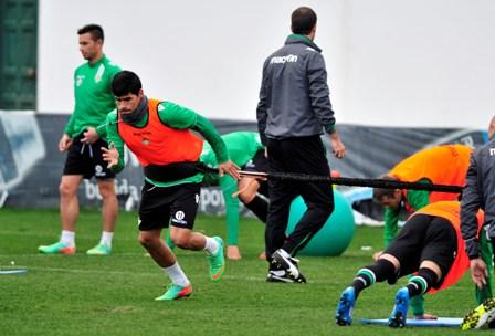 Juanfran, entrenándose. (Kiko Hurtado).