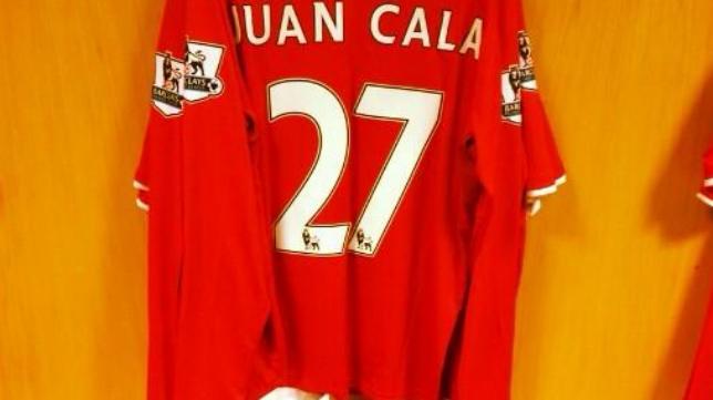 Cala_Cardiff_Camiseta