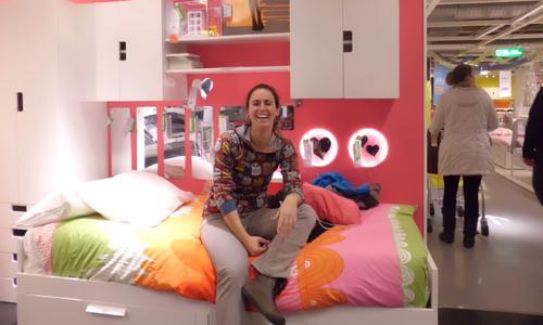Diez horas de espera y diez muebles de ikea gratis for Cama brimnes