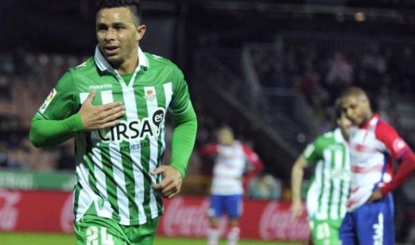 Ruben-Castro-celebra-goles-Carmenes