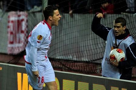 Gameiro, celebrando un gol / Kiko Hurtado