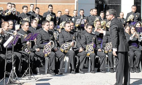 La banda de las Cigarreras en una de sus interpretaciones. / Foto:J.M. Paisano