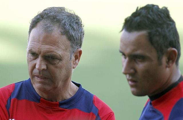 Caparrós y Keylor Navas, juntos. (Marcamedia)
