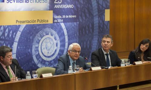 Jesús García, director de la Fundación Sevillana Endesa; Antonio Pascual, presidente; Francisco Arteaga, patrono; y María León, secretaria del Patronato. / Foto: J.M.Paisano