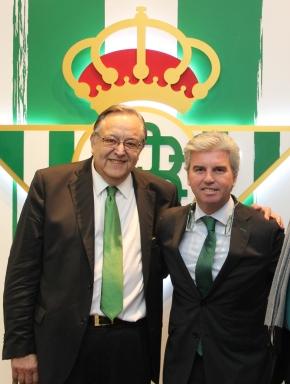 Eduardo Herrera y Miguel Guillén, en el antepalco del Villamarín / Real Betis