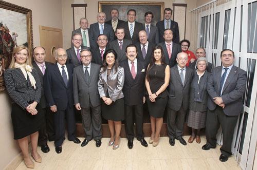Foto de familia del Comité de Honor de El Correo de Andalucía. / J.C. Rodríguez Aparicio