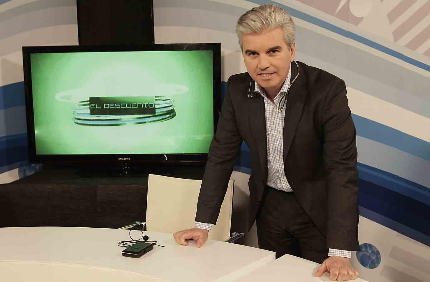 Miguel Guillén, en el plató de El Correo TV