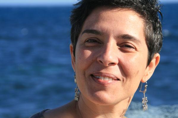 Inma Luna, una poeta inspirada y perseverante que visitará Sevilla en breve.