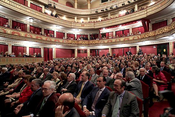 Las contrataciones mencionadas del ICAS afectan también a servicios asociados al teatro Lope de Vega.