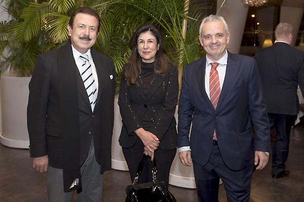 Antonio Morera y Vallejo y Rosario Maldonado, con José Luis Escañuela.