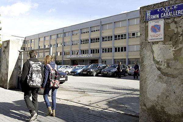 Vista de la entrada al colegio Valdeluz Agustinos del distrito Fuencarral-El Pardo de Madrid. / EFE