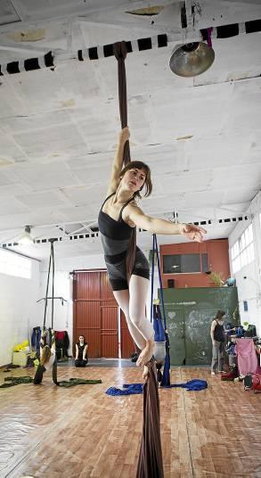 Sevilla 15/02/2014 taller de danza aeÃÅrea sobre telasFOTO: Pepo Herrera