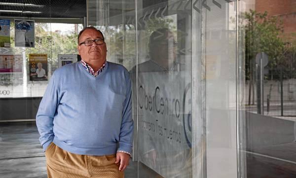 El portavoz vecinal de Macarena-Tres Huertas, José Luque Campos, se ha visto afectado directamente por las radiaciones de las antenas de telefonía de la zona.