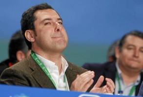 El presidente del PP-A, Juan Manuel Moreno, se emocionó al recordar a su familia.
