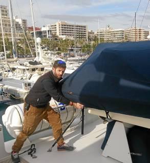 El joven brenero, en la cubierta de un barco.