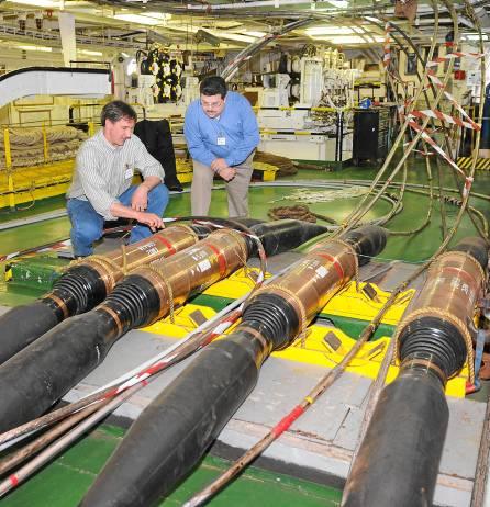 En la imagen, cables de fibra óptica de gran capacidad para un proyecto tecnológico en Estados Unidos. / EL CORREO
