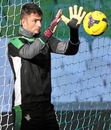 Antonio Adán ha sido clave en la mejoría del Betis / Kiko Hurtado