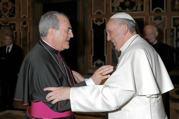 arzobispo asenjo y papa francisco