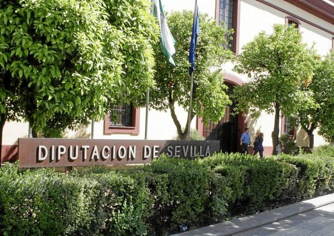 Fachada de la Diputación de Sevilla, una administación que asume nuevas competencias con la reforma local. / Antonio M. García