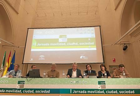 Sevilla 27 03 2014: Mesa de debates de las jornadas de movilidadFOT