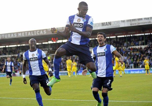 Jackson Martínez, pichichi del Oporto, celebra un gol (AP).