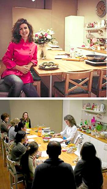 Carmen de Lara aporta su experiencia en su acogedora cocina a los interesados.