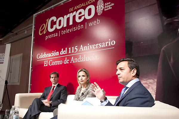 Gallego, Martín Prats y Cardenete, durante el coloquio celebrado ayer. / J.M.Paisano