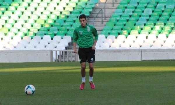Dani Ceballos, este miércoles por la tarde en el estadio Benito Villamarín / Real Betis
