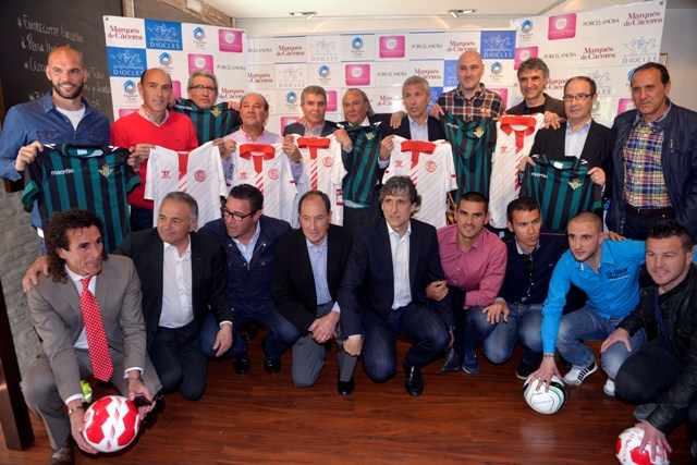 Los veinte jugadores reunidos este martes por Diocles en el restaurante Ignacio Vidal / Kiko Hurtado