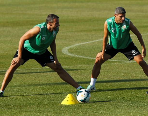 Amaya y Salva Sevilla, en un entrenamiento de esta temporada / Ramón Navarro