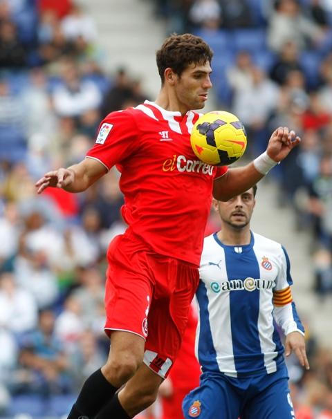 El defensa Federico Fazio está completando su mejor campaña en el Sevilla Fútbol Club. / Francesc Adelantado