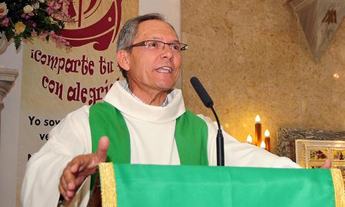 El sacerdote salesiano  Juan Carlos Pérez Godoy.