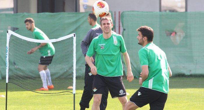 Nacho, en el entrenamiento de este martes / Real Betis